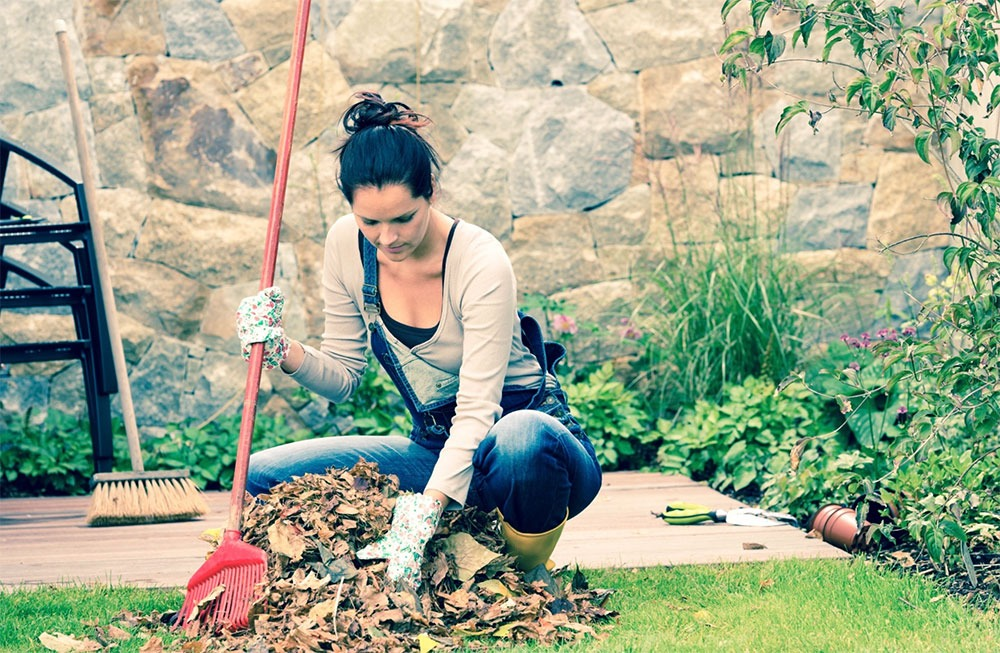 Common Autumn Injuries – How to Prevent Yard Work Woes